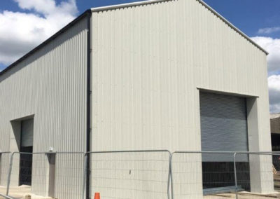 Steel building for waste recycling