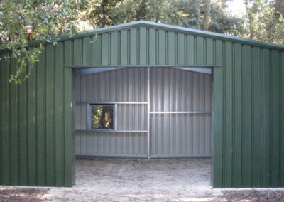 Steel garage for domestic use
